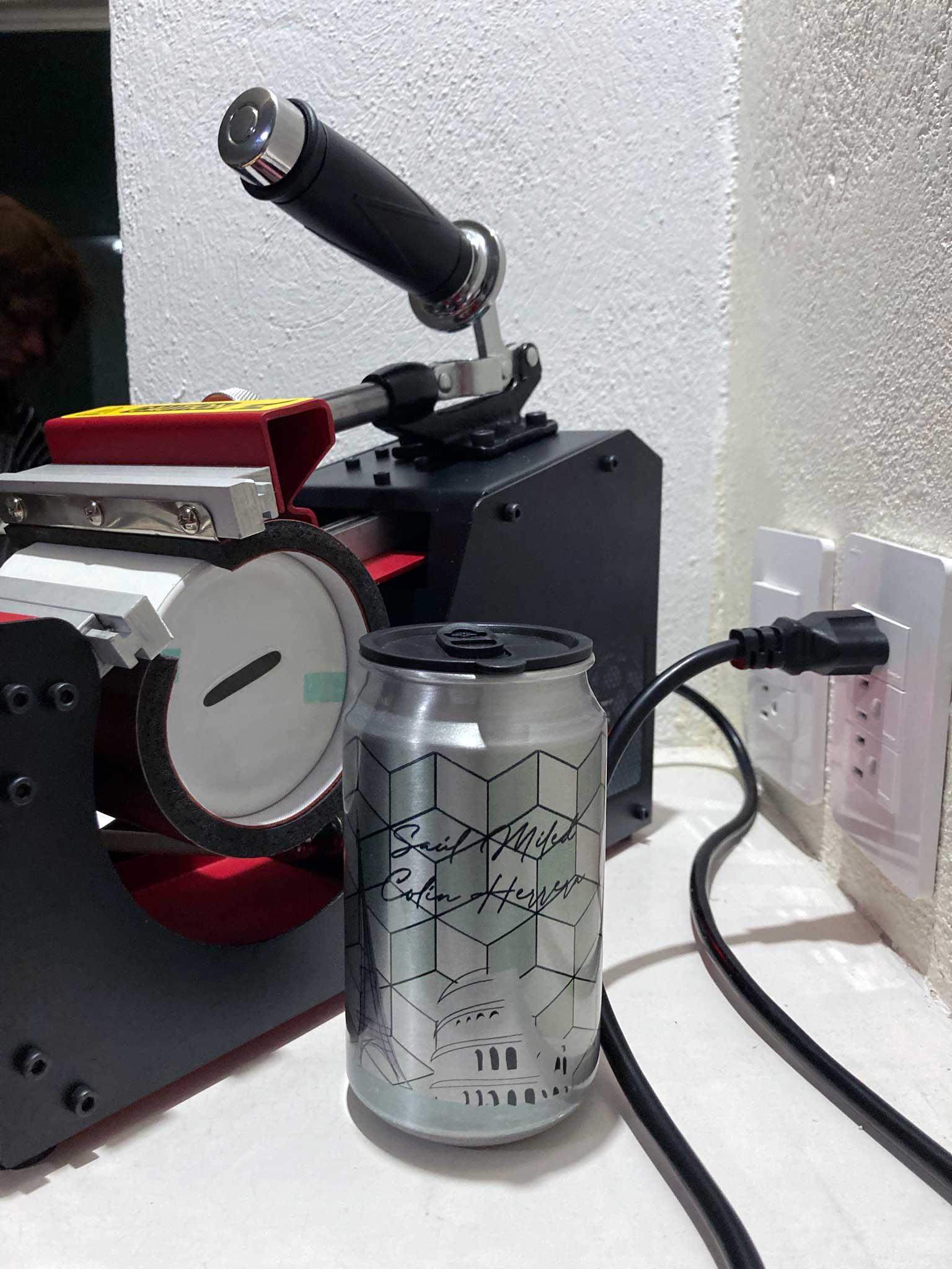 Lata de aluminio con tapa de plástico hermética